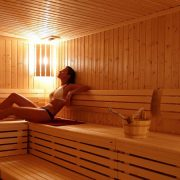 Three Great Benefits of Going in the Sauna