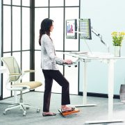4 Ways Standing Desks Improve Your Health