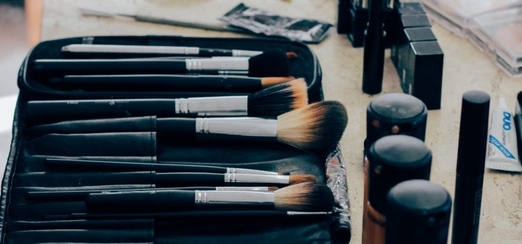 How to Clean And Disinfect Your Makeup Tools