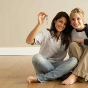 3 Benefits of Living With a Roomate