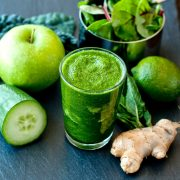 4 Reasons To Drink Green Smoothies First Thing