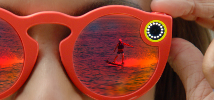 The New Eye-wearable from Snapchat Takes Pictures